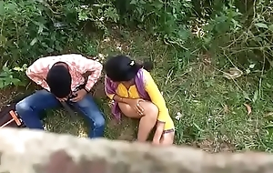 sex krte huee pde gye girl with boyfriend