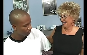 Mature lady screwed by her african stallion shortly her husband is away