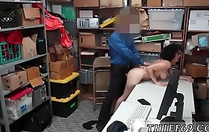 Border police and cop fucks milf in car Suspect was apprehended